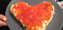 Салат-валентинка с красной икрой