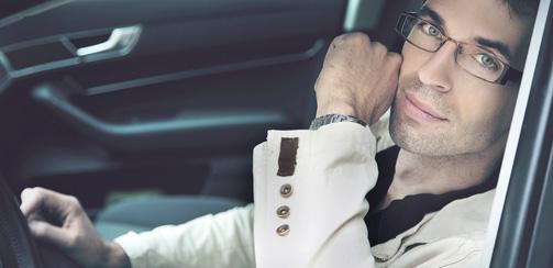 фото мужчин в машине фото